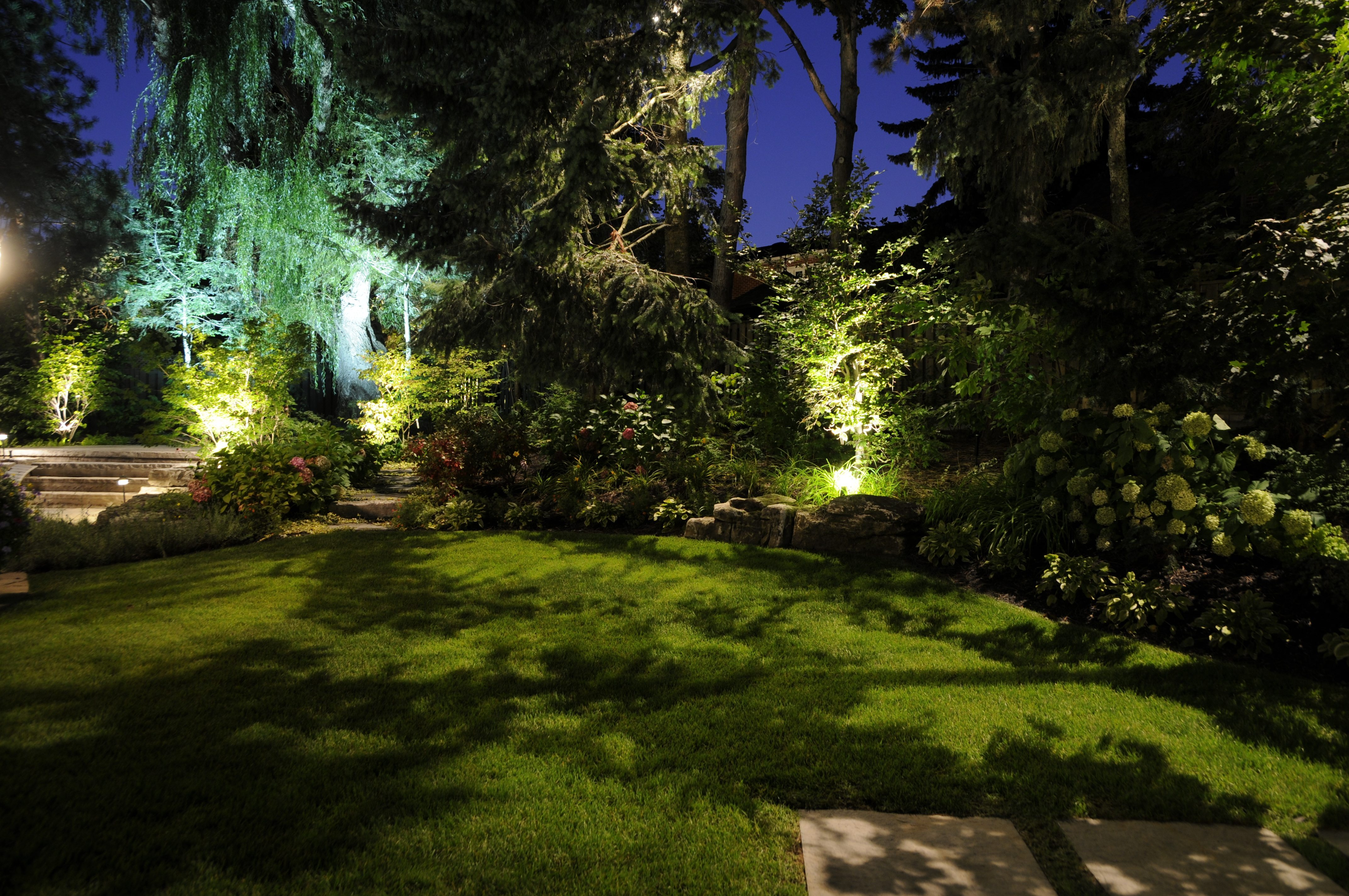 Sitzer_2-Down Lighting Back Yard-Plaque.jpeg
